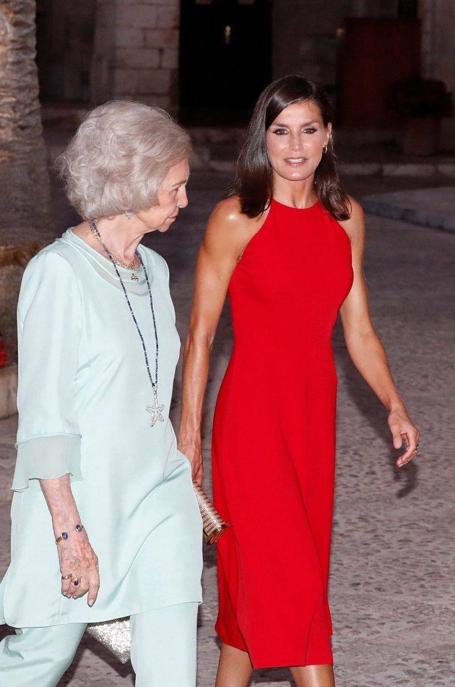 Lex-reine Sofia et la reine Letizia d'Espagne à Palma de Majorque, le 7 août 2019