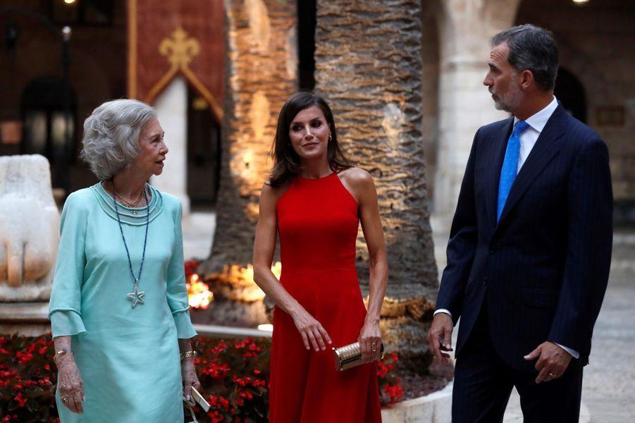 L'ex-reine Sofia, la reine Letizia et le roi Felipe VI d'Espagne à Palma de Majorque, le 7 août 2019