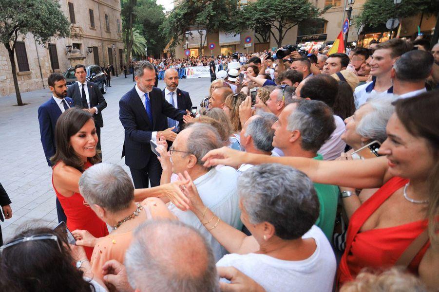 La reine Letizia et le roi Felipe VI d'Espagne à Palma de Majorque, le 7 août 2019