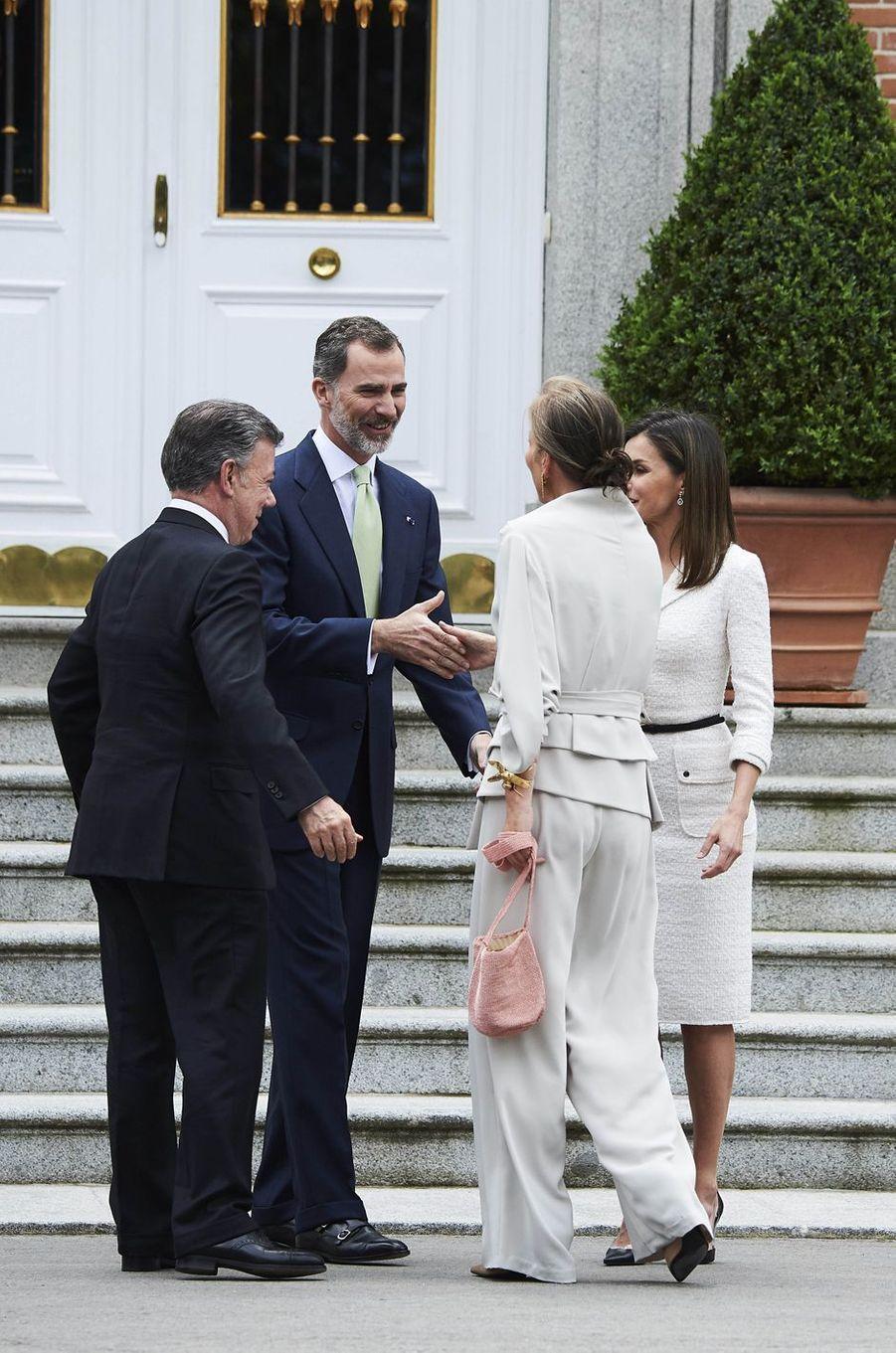 La reine Letizia et le roi Felipe VI d'Espagne avec le couple présidentiel colombien à Madrid, le 14 mai 2018