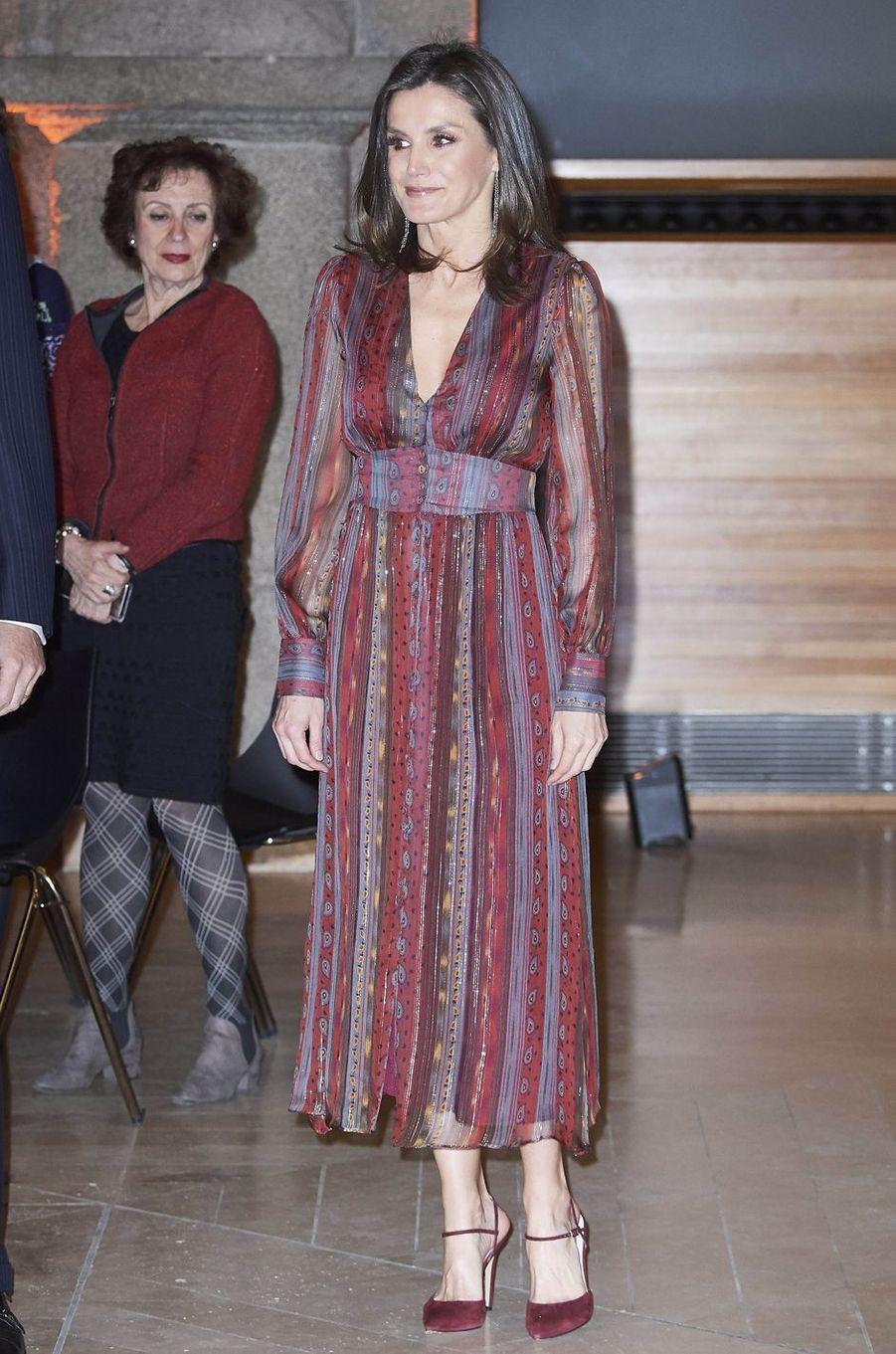 La reine Letizia d'Espagne dans une robe Intropia à Madrid, le 19 mars 2019