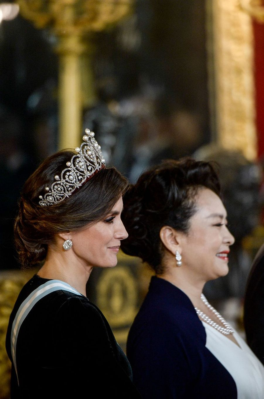 La reine Letizia d'Espagne avec la First Lady chinoise à Madrid, le 29 novembre 2018