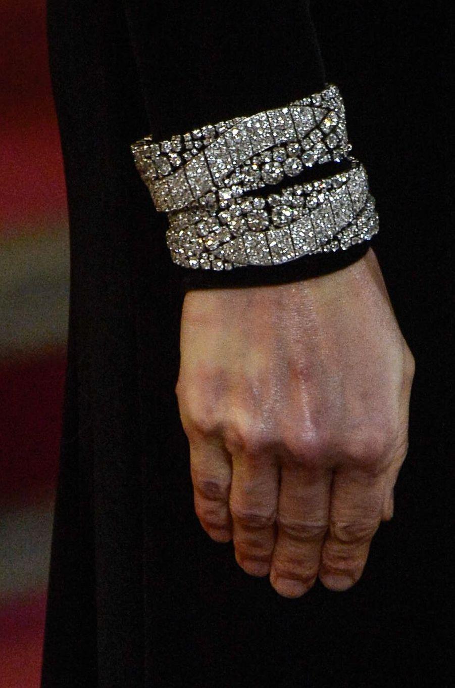 Les bracelets de la reine Letizia d'Espagne à Madrid, le 29 novembre 2018