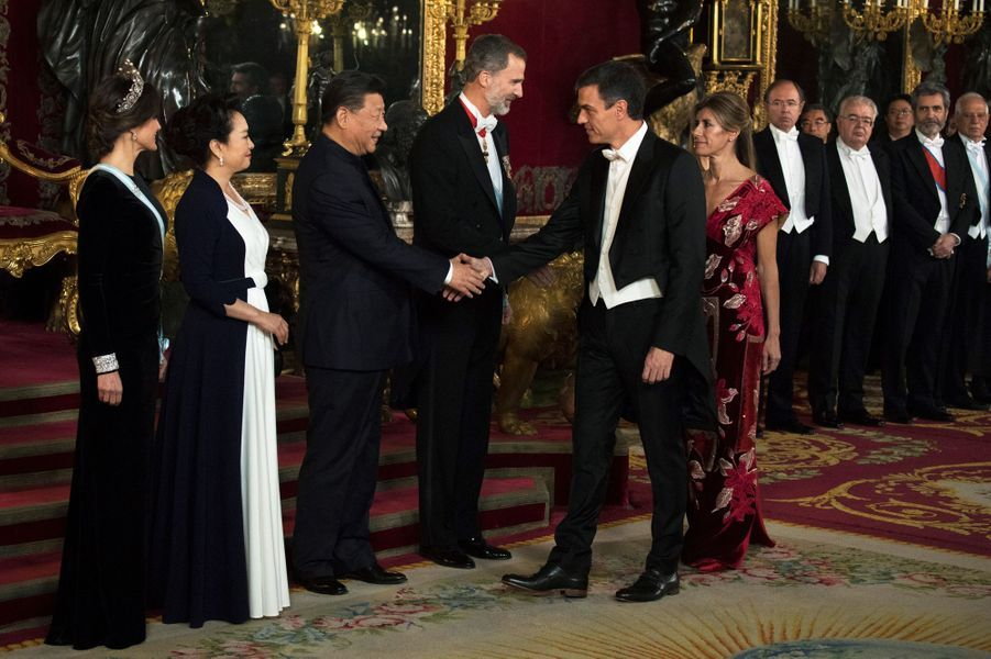La reine Letizia et le roi Felipe VI d'Espagne avec le couple présidentiel chinois à Madrid, le 29 novembre 2018