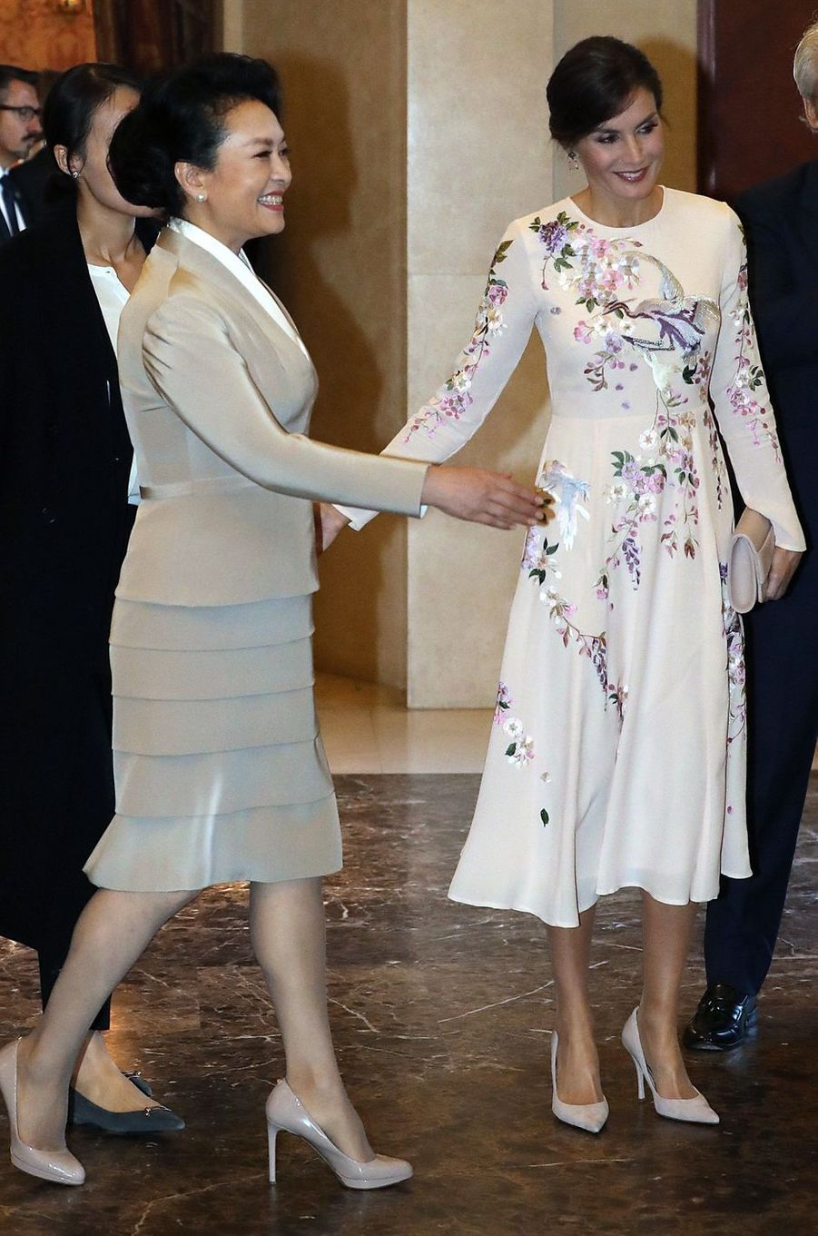 La reine Letizia d'Espagne avec Peng Liyuan à Madrid, le 28 novembre 2018
