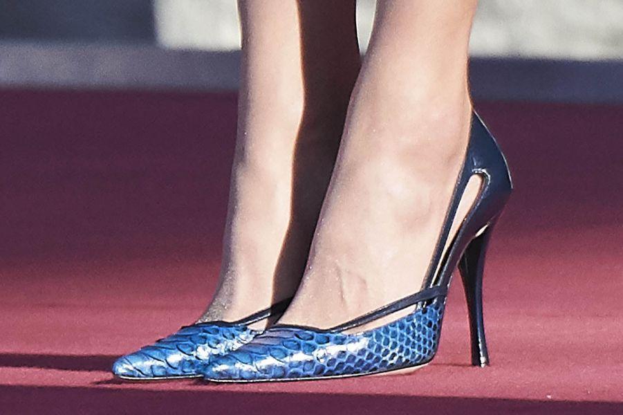 Les chaussures de la reine Letizia d'Espagne à Madrid, le 16 avril 2018
