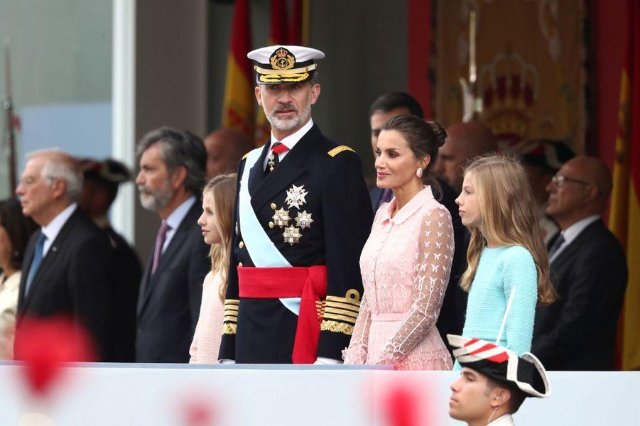 La reine Letizia et le roi Felipe VI d'Espagne et leurs filles à Madrid, le 12 octobre 2019