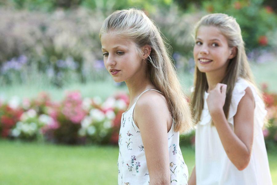 Les princesses Leonor et Sofia d'Espagne au palais de Marivent à Palma de Majorque, le 4 août 2019