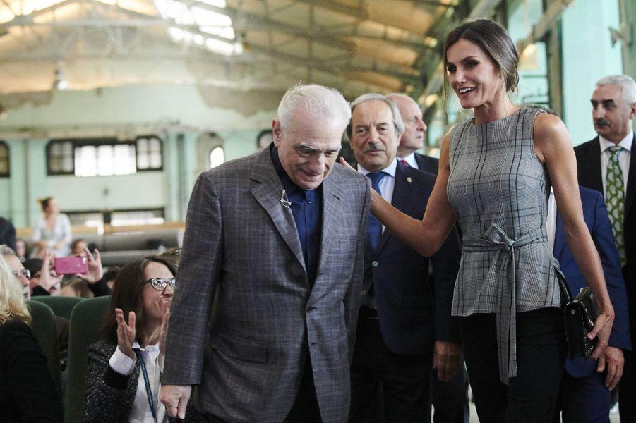 La reine Letizia d'Espagne, dans un top Zara, avec Martin Scorsese à Oviedo le 18 octobre 2018
