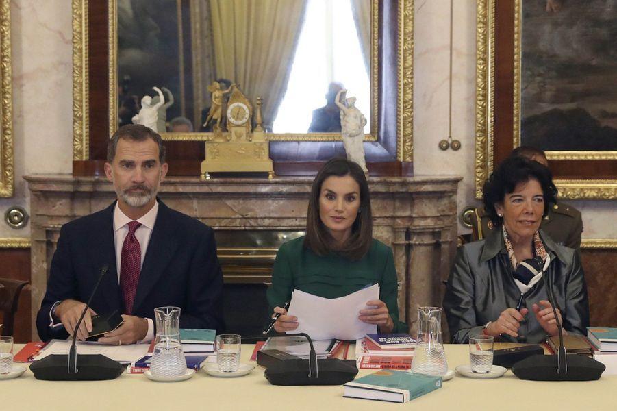 La reine Letizia et le roi Felipe VI d'Espagne en réunion au Palais royal d'Aranjuez, le 8 octobre 2018