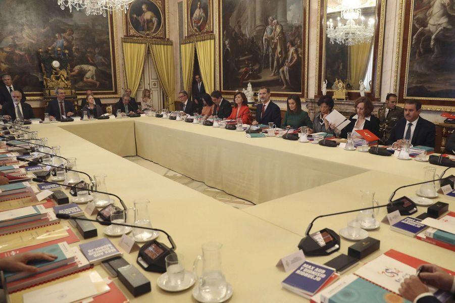 La reine Letizia et le roi Felipe VI d'Espagne en réunion à Aranjuez, le 8 octobre 2018