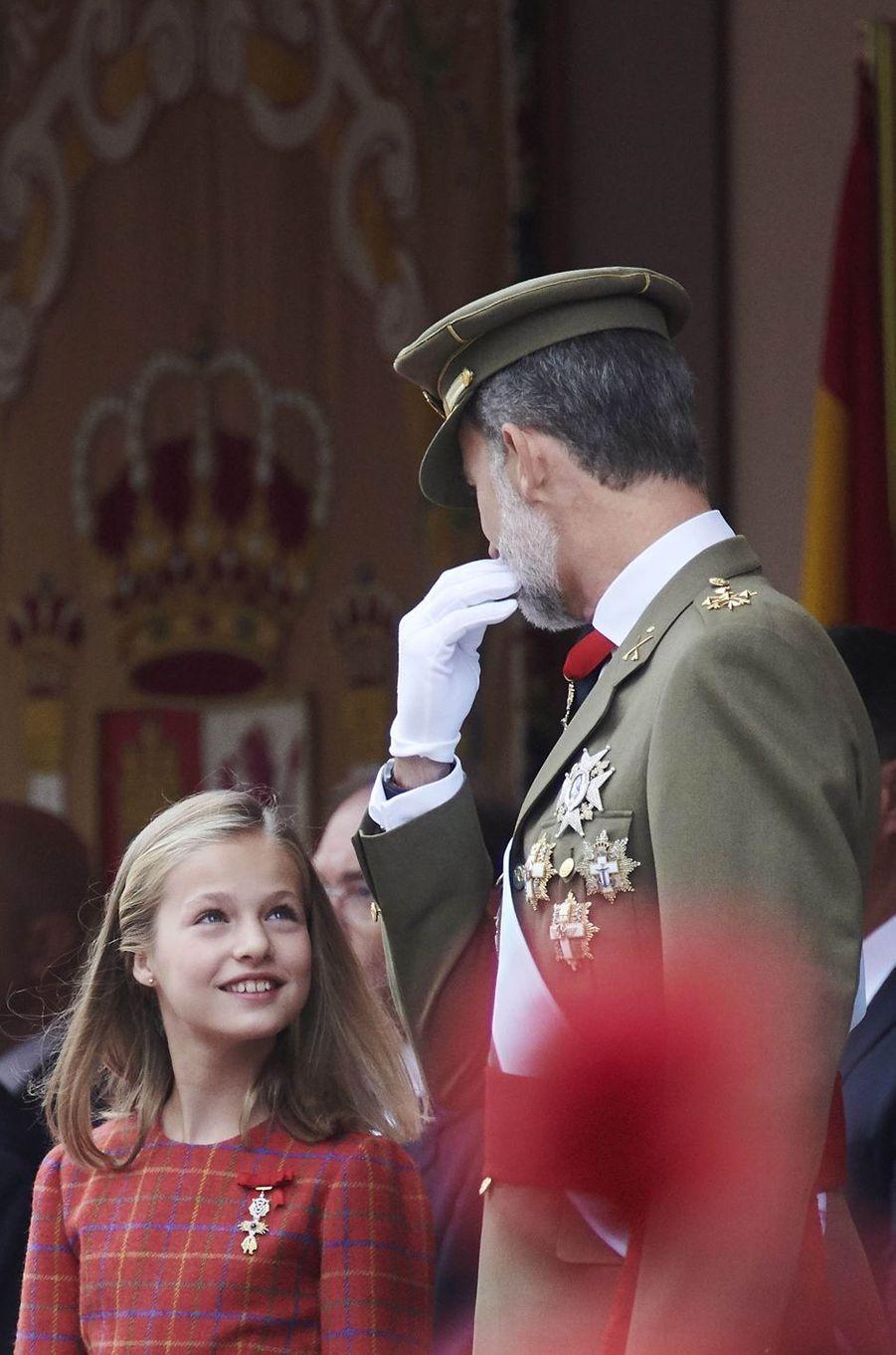 La princesse Leonor et le roi Felipe VI d'Espagne à Madrid, le 12 octobre 2018