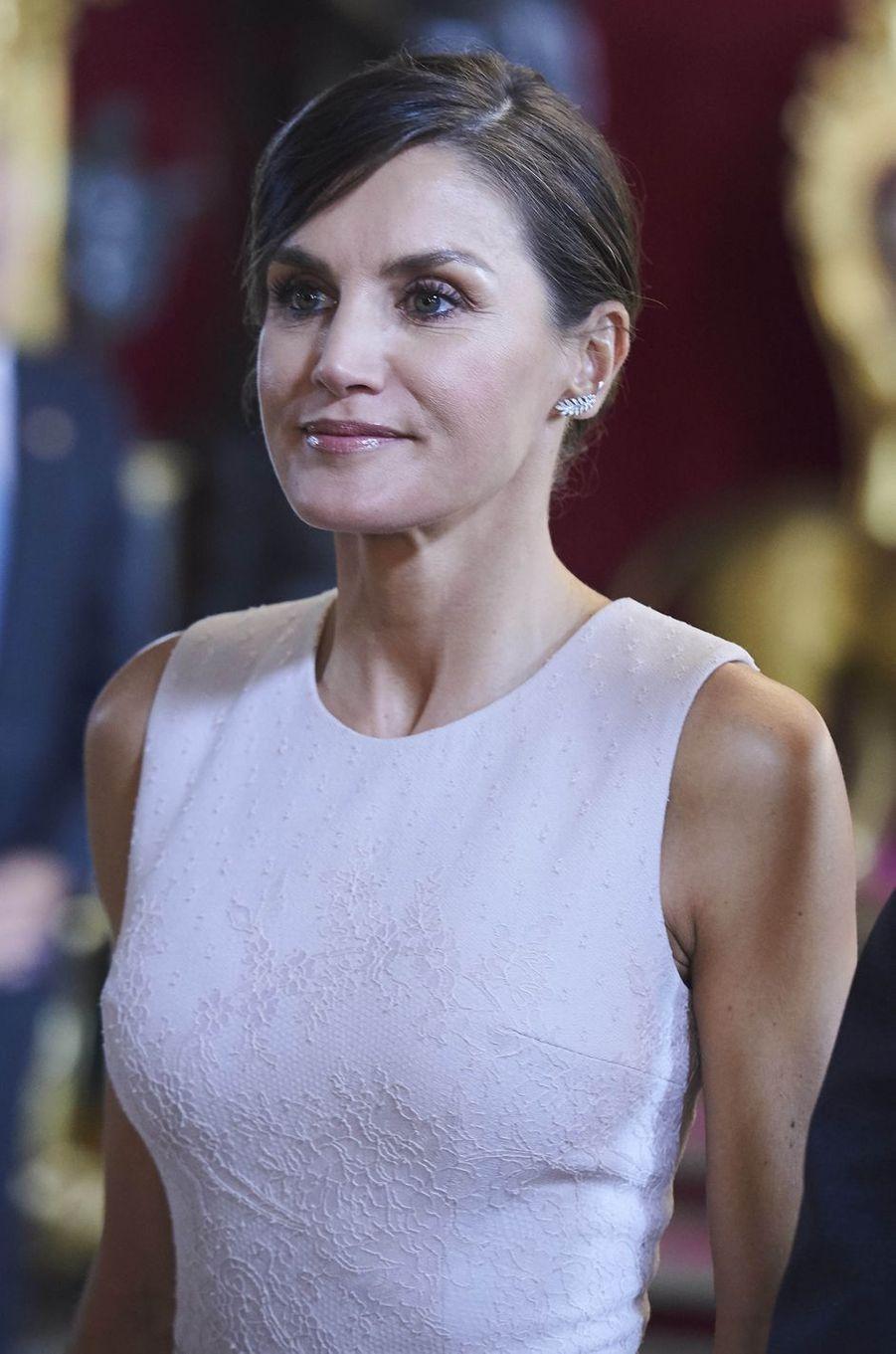 La reine Letizia d'Espagne à Madrid, le 12 octobre 2018