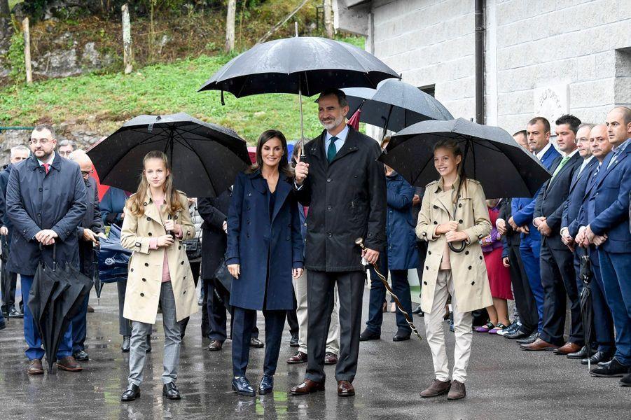 La princesse Leonor d'Espagne avec la reine Letizia, le roi Felipe VI et la princesse Sofia à Asiegu, le 19 octobre 2019