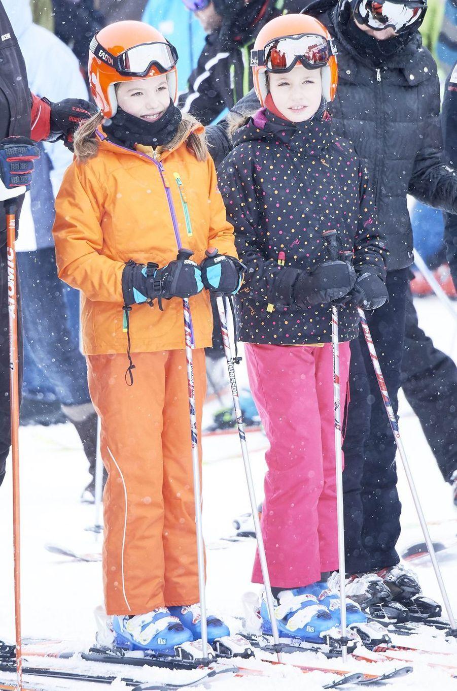 Les princesses Sofia et Leonor d'Espagne à Astun, le 5 février 2017