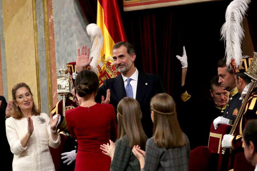 La reine Letizia et le roi Felipe VI d'Espagne avec leurs filles à Madrid, le 6 décembre 2018