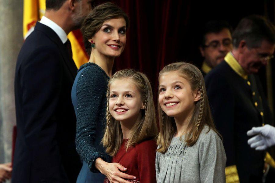 La reine Letizia d'Espagne avec ses deux filles, le 17 novembre 2016