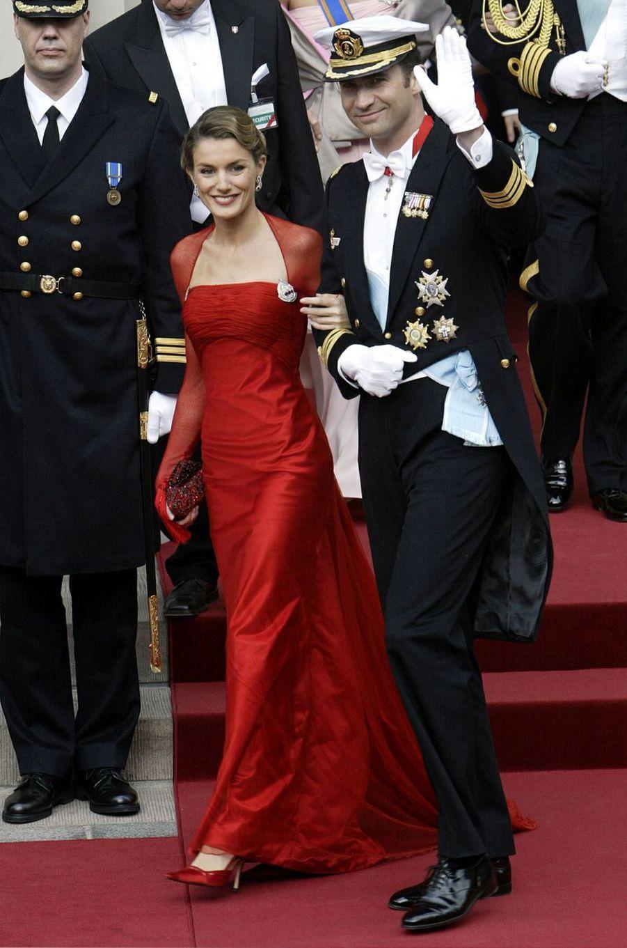 Letizia Ortiz et son fiancé le prince Felipe d'Espagne, le 14 mai 2004