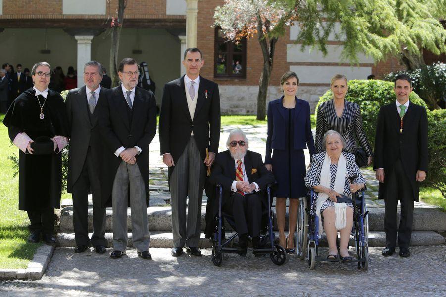 La reine Letizia et le roi Felipe VI d'Espagne à Alcala de Henares, le 23 avril 2016