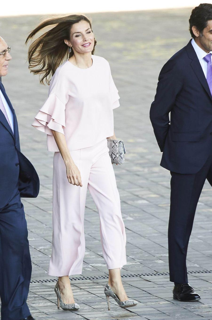 La reine Letizia d'Espagne dans un look Zara à Madrid, le 4 juillet 2017