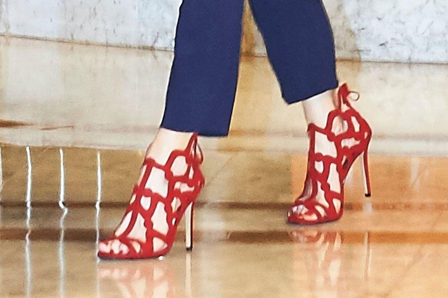 Les chaussures de la reine Letizia d'Espagne à Madrid, le 8 juin 2016