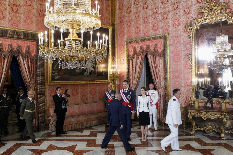 La reine Letizia et le roi Felipe VI d'Espagne au Palais royal à Madrid, le 28 mai 2016