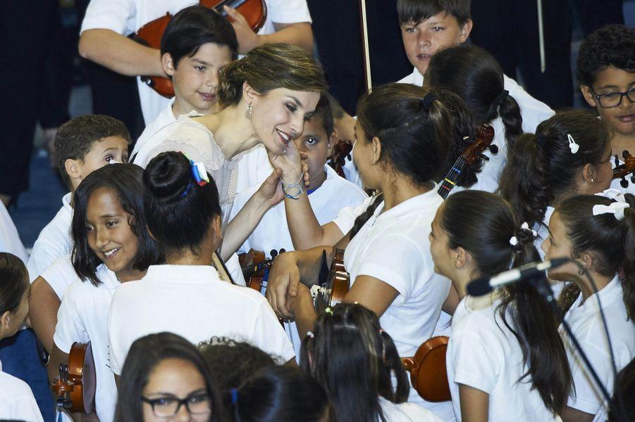 La reine Letizia d'Espagne sur l'île de Grande Canarie, le 24 avril 2017