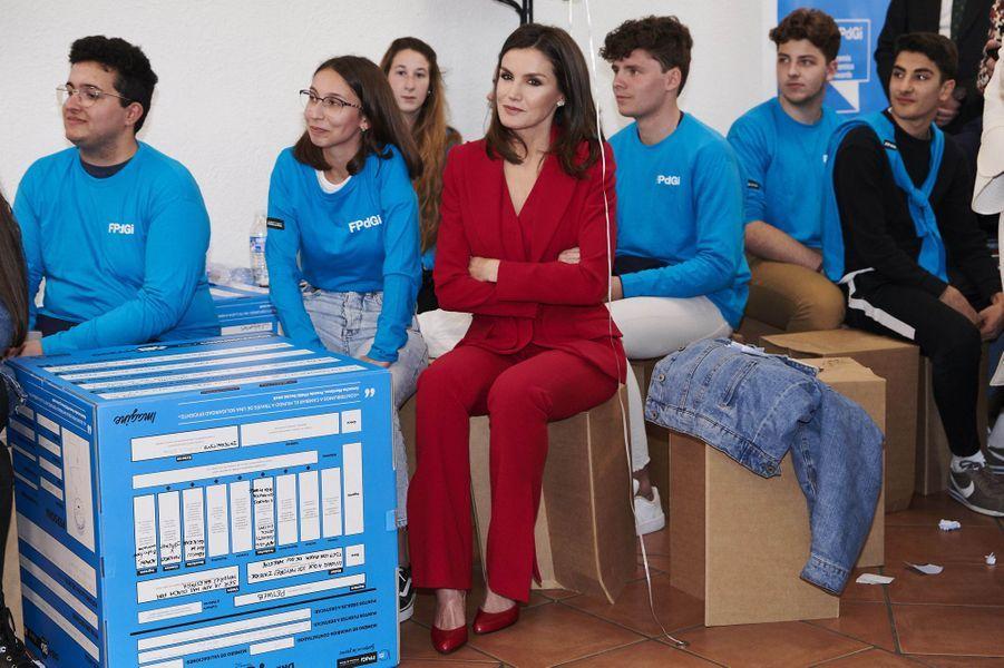 La reine Letizia d'Espagne parmi des jeunes à Cáceres, le 6 mars 2019