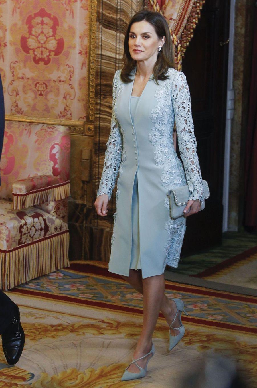 La reine Letizia d'Espagne en Felipe Varela à Madrid, le 20 avril 2018