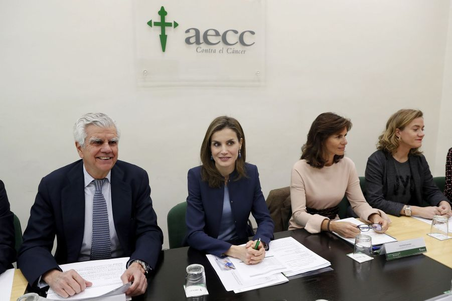 La reine Letizia d'Espagne au siège de l'AECC à Madrid, le 10 janvier 2017