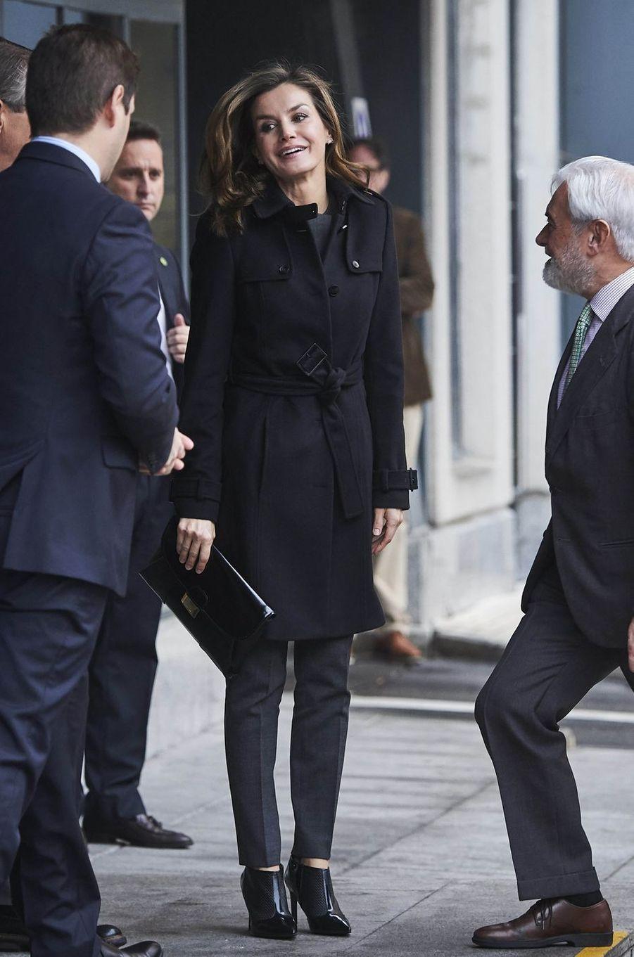 La reine Letizia d'Espagne arrive à une réunion à Madrid, le 10 janvier 2018
