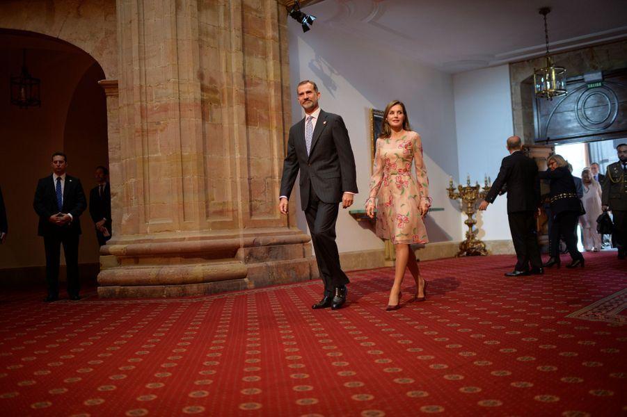 La reine Letizia et le roi Felipe VI d'Espagne à Oviedo, le 20 octobre 2017