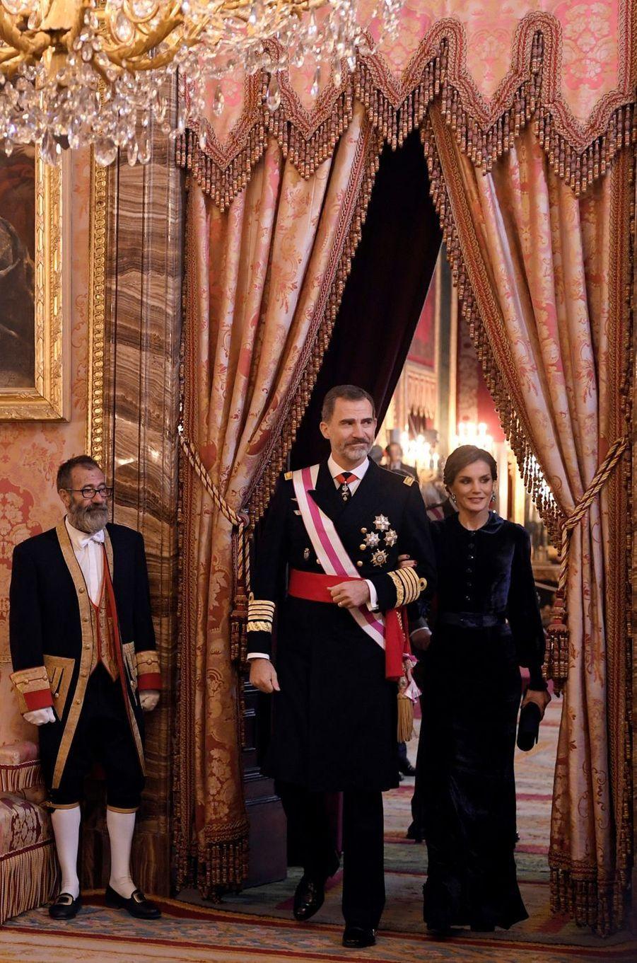 La reine Letizia et le roi Felipe VI d'Espagne à Madrid, le 6 janvier 2018