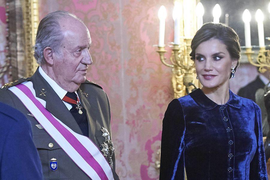 L'ancien roi Juan Carlos et la reine Letizia d'Espagne à Madrid, le 6 janvier 2018