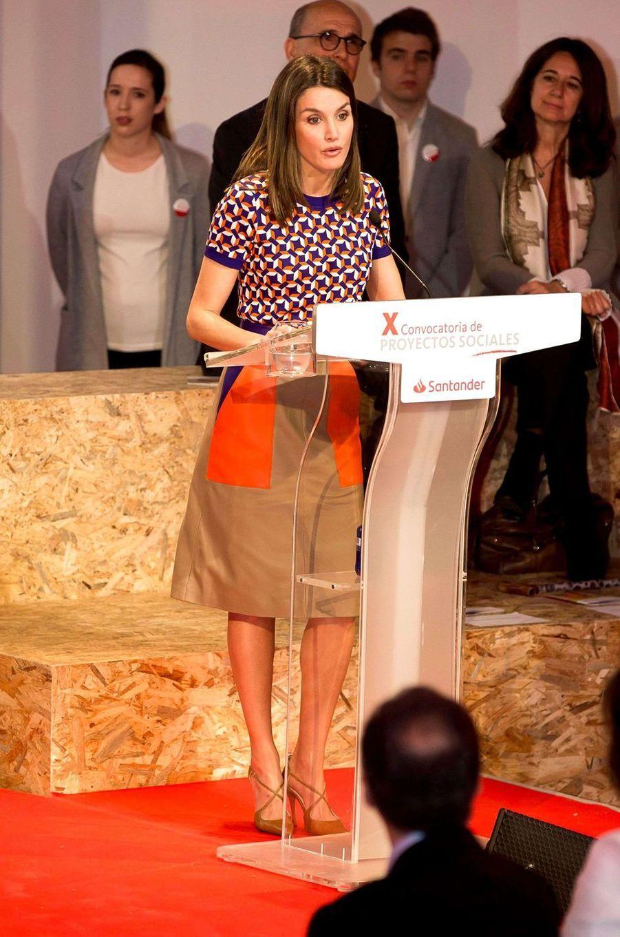 La reine Letizia d'Espagne en Hugo Boss à Madrid, le 7 mai 2018