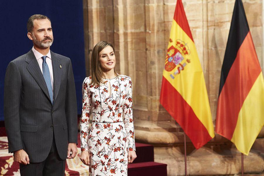 La reine Letizia et le roi Felipe VI d'Espagne à Oviedo pour le prix Princesse des Asturies, le 21 octobre 2016