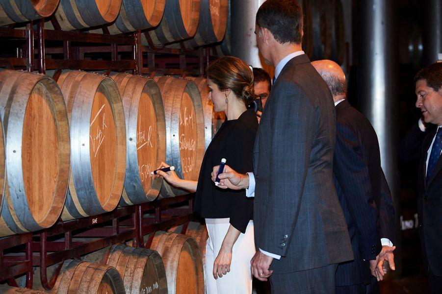 La reine Letizia et le roi Felipe VI d'Espagne à Tomelloso, le 18 mai 2016