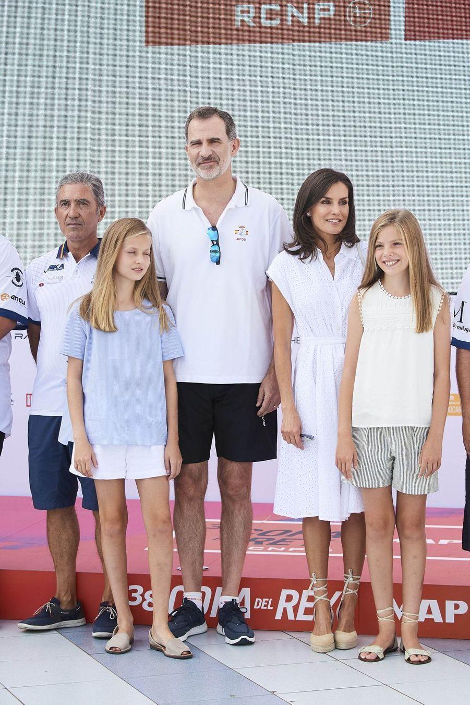 La reine Letizia,le roi Felipe VI d'Espagne etleurs filles Leonor et Sofiaà Palma de Majorquele 1er août 2019