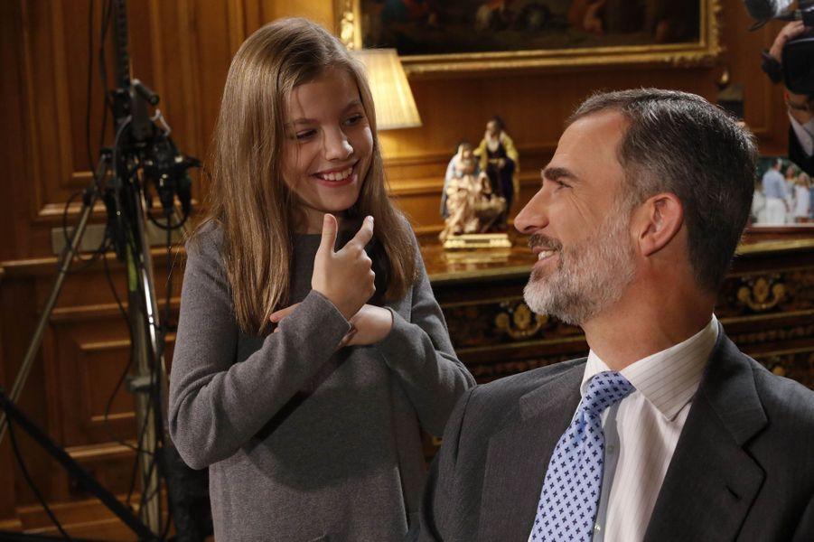 Le roi Felipe VI d'Espagne avec la princesse Sofia, à Madrid le 22 décembre 2017