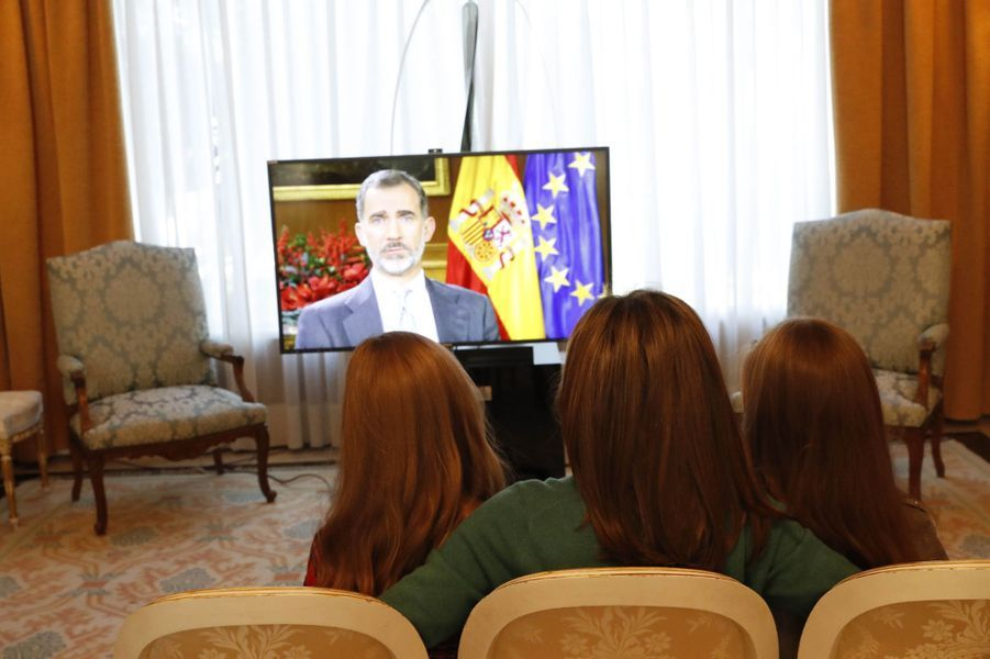 La reine Letizia d'Espagne avec les princesses Leonor et Sofia, à Madrid le 22 décembre 2017