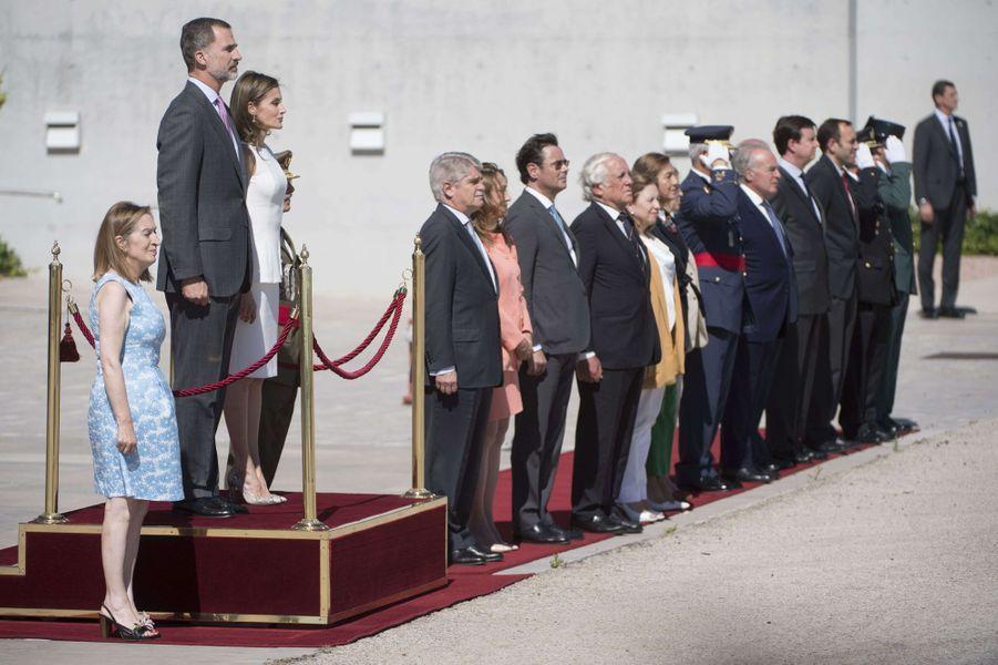 La reine Letizia et le roi Felipe VI d'Espagne à Madrid, le 11 juillet 2017, avant leur départ pour Londres