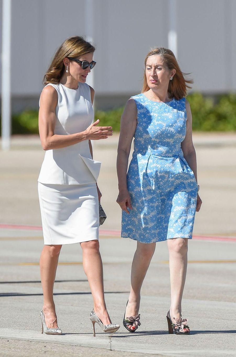La reine Letizia d'Espagne et Ana Pastor à Madrid, le 11 juillet 2017