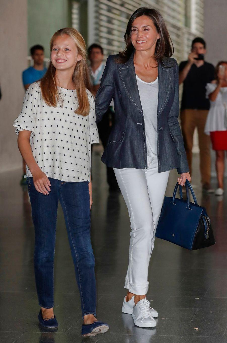 La princesse Leonor et la reine Letizia d'Espagne à Madrid, le 30 août 2019