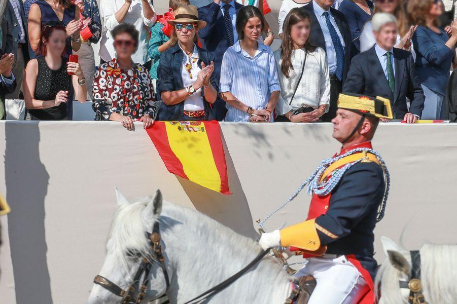 La princesse Elena d'Espagne et sa fille Victoria Federica de Marichalar à Madrid, le 12 octobre 2017