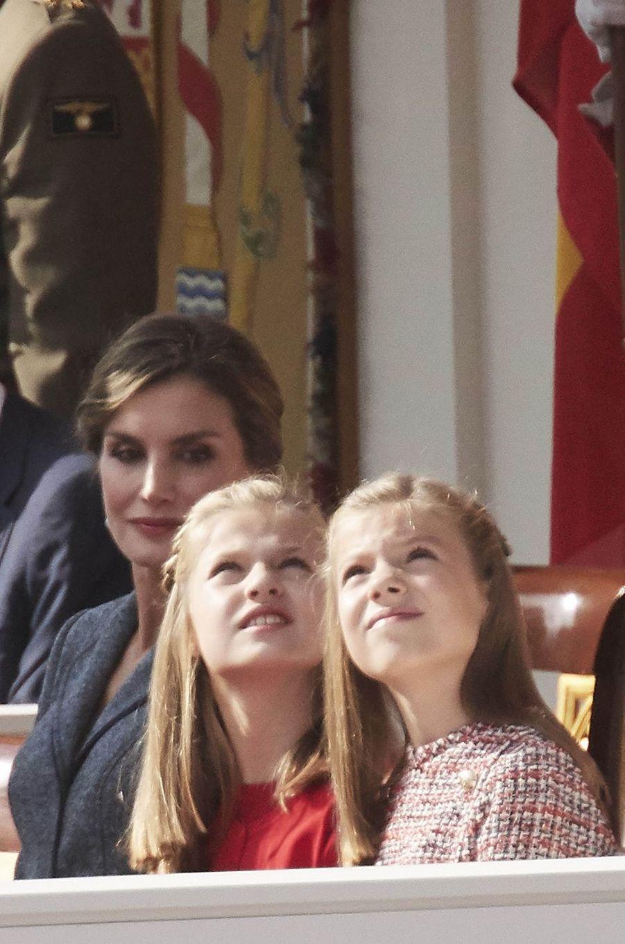 La reine Letizia d'Espagne et ses filles les princesses Leonor et Sofia à Madrid, le 12 octobre 2017