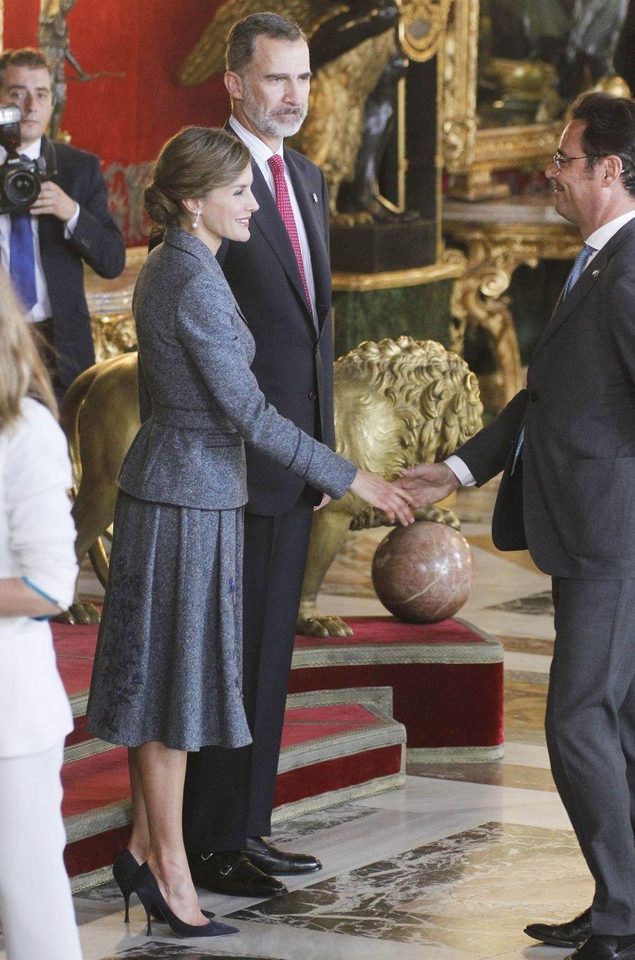 La reine Letizia et le roi Felipe VI d'Espagne à Madrid, le 12 octobre 2017