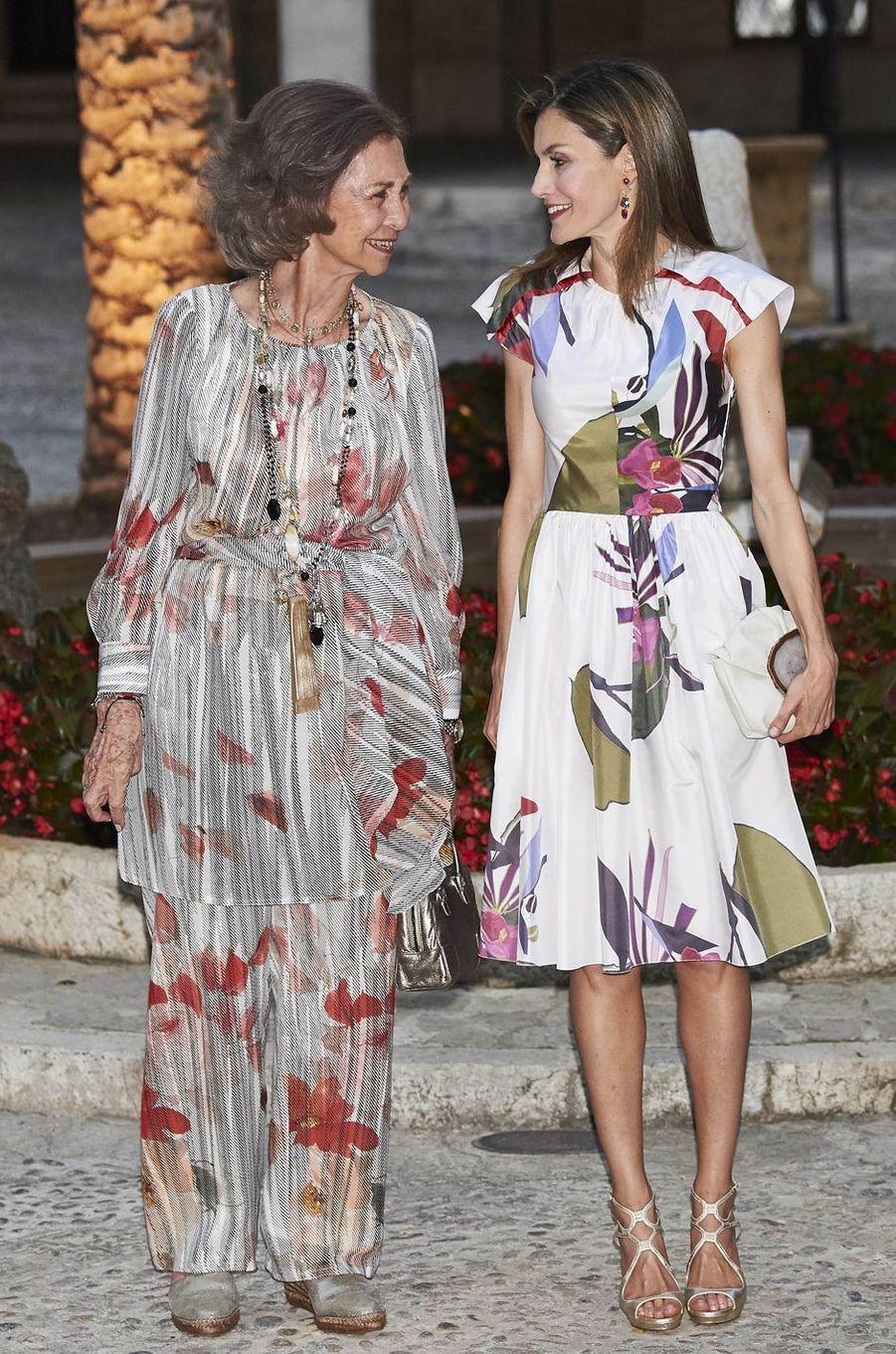 La reine Letizia d'Espagne avec l'ancienne reine Sofia à Palma de Majorque, le 7 août 2016