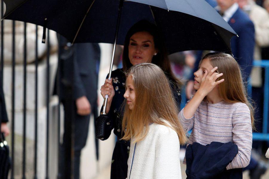 La reine Letizia d'Espagne et les princesses Leonor et Sofia à Palma de Majorque, le 21 avril 2019