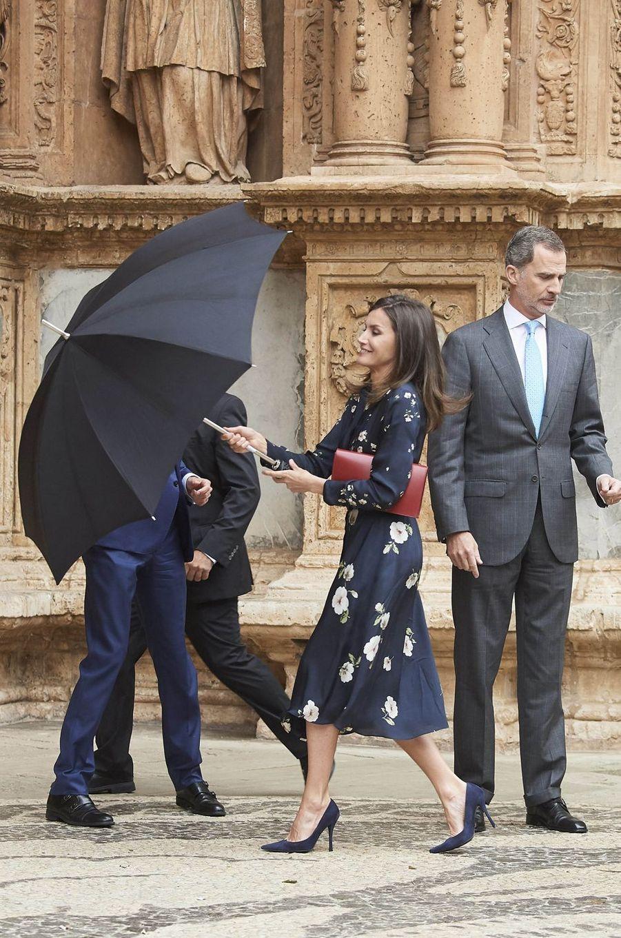 La reine Letizia et le roi Felipe VI d'Espagne à Palma de Majorque, le 21 avril 2019