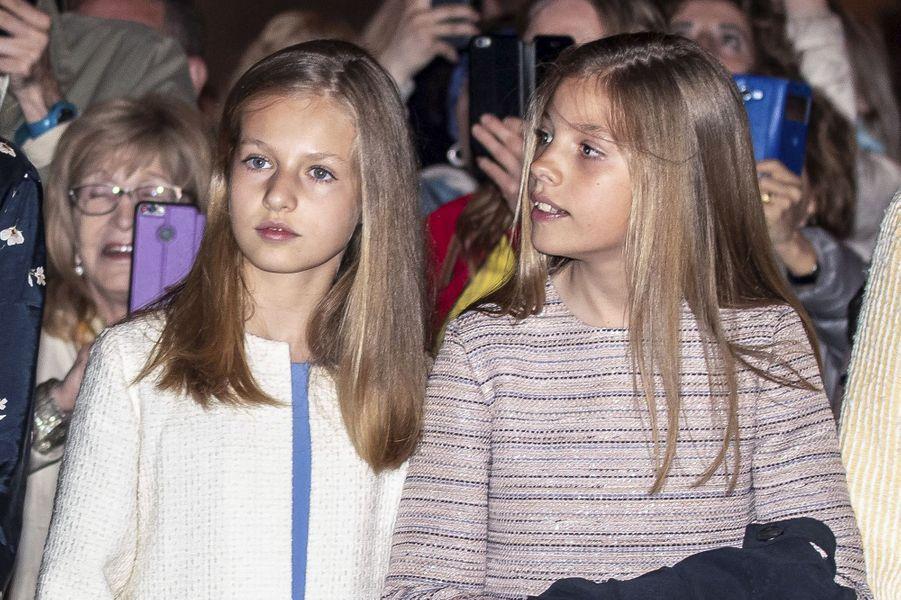 Les princesses Leonor et Sofia d'Espagne à Palma de Majorque, le 21 avril 2019